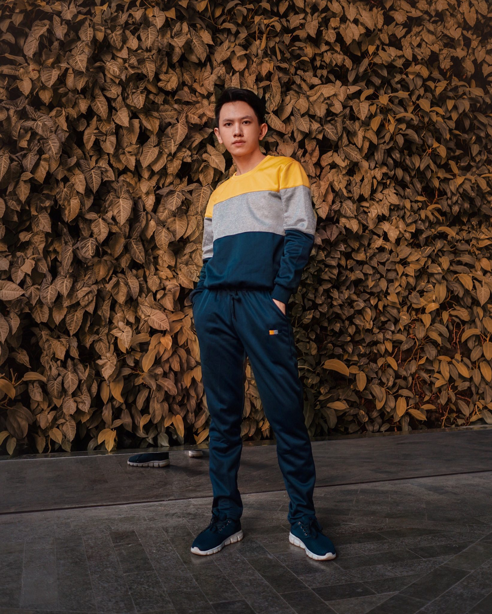 r indonesia lookbook indonesia ootd men influencer indonesia fashion influencer track pants tracksuit color block lifestyle